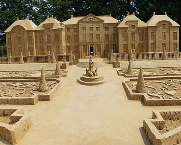 sand sculptures feature