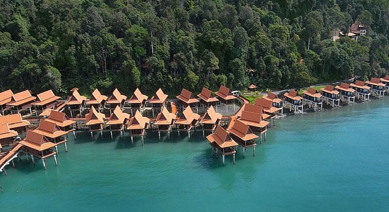 Overwater bungalows 5