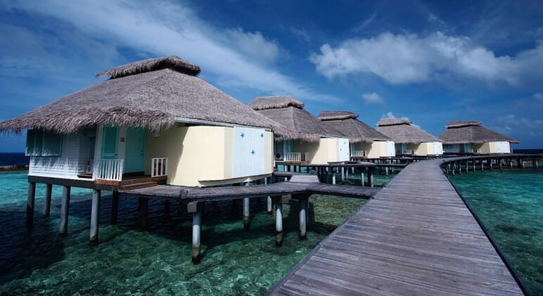 overwater bungalows 11